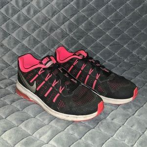 Pink and black Nike tennis shoes!!